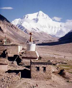 mount everest from rombok gompa tibet
