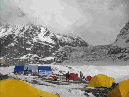 1oboz-himalajskiej-wyprawy-dhaulagiri-2008-450