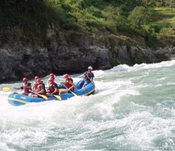 Rafting in Nepal – Sun Koshi River Rafting.