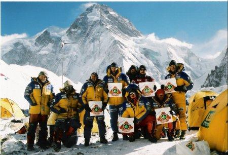 polish-winter-expedition-to-k2-2002_3-czlonkowie-wyprawy-w-bazie